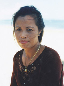 Woman_of_middle_age_from_Bali_Indonesia